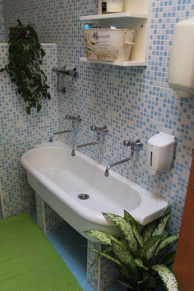 lavandino del bagno w
